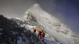 Penyebab Gunung Everest Tambah Tinggi 1 Meter