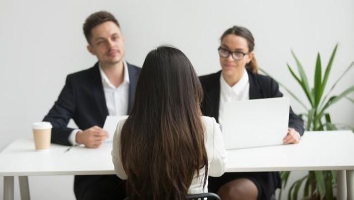 Terlihat Stand Out dan Menarik Saat Wawancara Kerja, Simak Tips Ini!