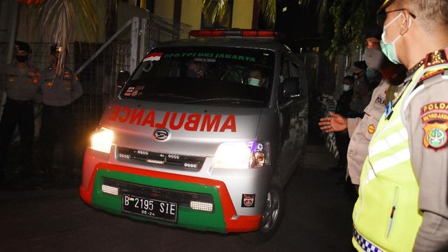 Polisi akan melakukan penilangan serta penyitaan terhadap ambulans yang disalahgunakan untuk kendaraan mudik.