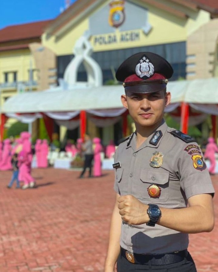 Polisi ganteng Nabhani Akbar