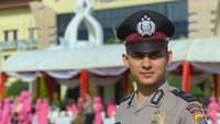 <p>Akbar merupakan polisi asal Banda Aceh yang sekarang bertugas di Sudan. Nah, di sana, Akbar mengajari anak-anak mengaji lho. (Foto: Instagram @nabhaniakbar439)</p>