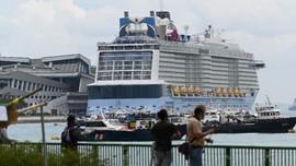 FOTO: Kapal Pesiar Pulang ke Singapura Akibat Kasus Covid-19