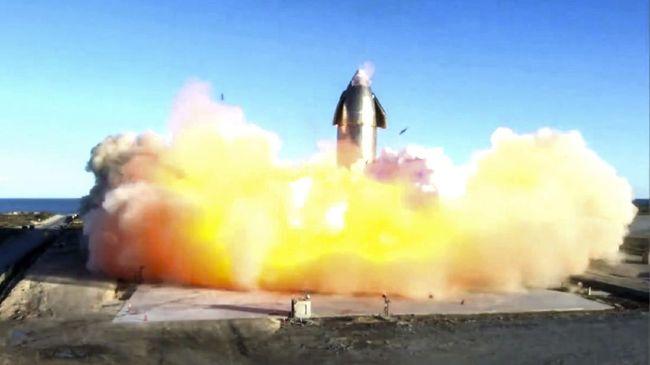 Roket SpaceX SN10 meluncur sejauh sekitar 10 kilometer di atas permukaan Bumi, dan kembali untuk pendaratan. Usai berhasil mendarat roket meledak.