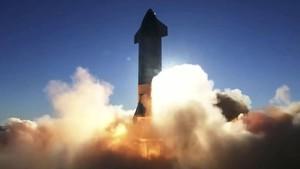 SpaceX Cetak Rekor, Bawa 143 Satelit dalam Sekali Peluncuran