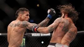 Guillotine Choke, Senjata Oliveira vs Chandler di UFC 262