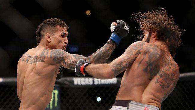 UFC 262 Charles Oliveira vs Michael Chandler pada perebutan gelar juara dunia kelas ringan milik Khabib Nurmagomedov akan berlangsung di Toyota Center.