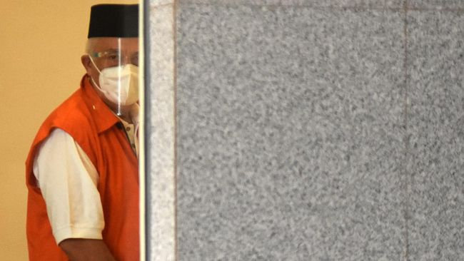 Berkas Bupati Banggai Laut nonaktif Wenny Bukamo sudah dilimpahkan ke Pengadilan Tipikor Palu dan segera disidangkan.