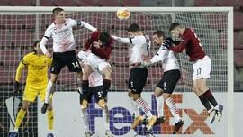 FOTO: Milan Juara Grup, Leicester Hajar AEK Athena