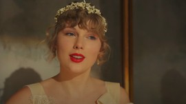 Taylor Swift Sindir Candaan Seksisme Serial Ginny & Georgia