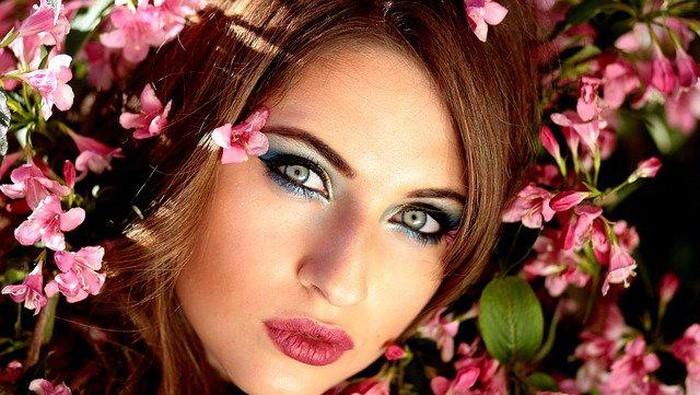 Aplikasi Foundation Kamu Bisa Flawless dengan Trik Makeup ini!