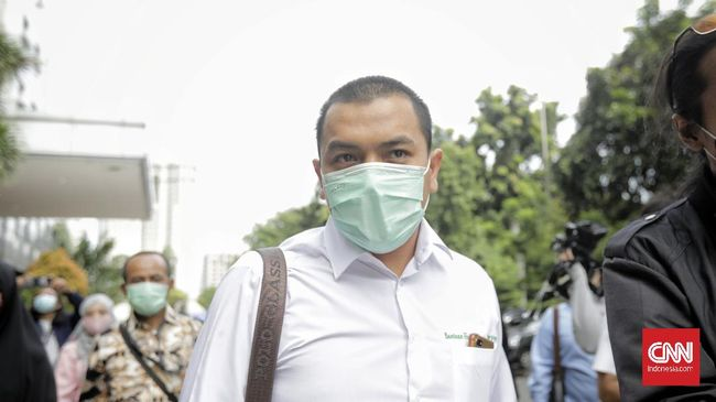 FPI tak kecewa usai Prabowo-Sandi, yang pernah mereka dukung saat Pilpres, kini masuk Kabinet Jokowi. FPI menegaskan tak pernah berharap pada mahluk.