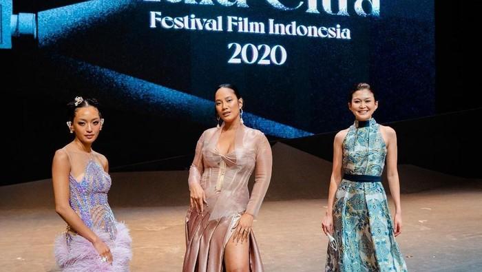 Pesona Pemain 'Perempuan Tanah Jahanam' di Festival Film Indonesia