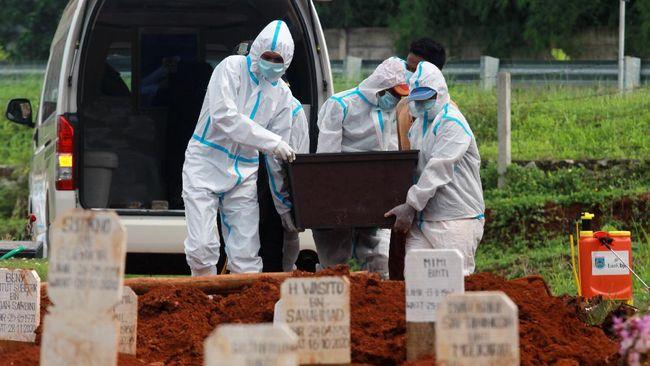 TPU Srengseng Sawah Jaksel mulai digunakan untuk pemakaman jenazah pasien covid-19 usai sejumlah TPU khusus lainnya penuh.