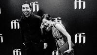Sebagai informasi, Dimas Djay sebelumnya sudah melamar Faradina Mufti pada 30 Agustus 2020 silam. Mereka juga sudah sering tampil bersama di hadapan publik dalam berbagai kesempatan, Bunda. (Foto: Instagram @dimas.djay)