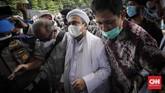 Imam Besar FPI Rizieq Shihab menjalani pemeriksaan di Polda Metro Jaya sebagai tersangka kasus kerumunan massa di Petamburan pada Sabtu (12/12).