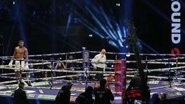 Joshua Menang KO Hingga Derby Manchester Membosankan