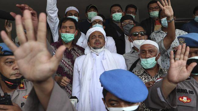 Imam Besar FPI Rizieq Shihab terus mendapatkan jeratan hukum berbeda semenjak ia pulang dari Arab Saudi pada November 2020 lalu.