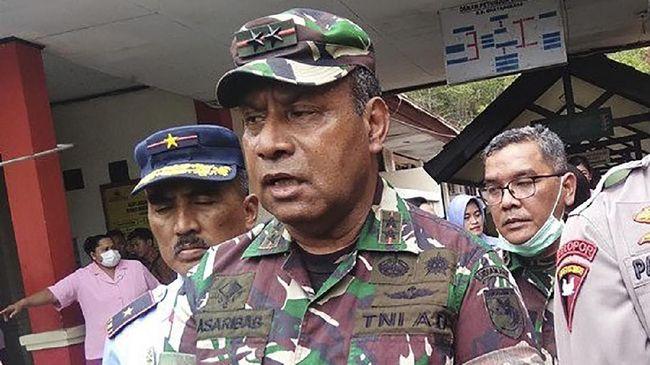 Wakasad Letjen Herman Asaribab meninggal dunia, jenazahnya langsung diterbangkan ke Jayapura dan disemayamkan, Senin (14/12).