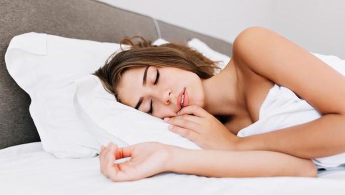 Bikin Tidur Nyenyak Hingga Awet Muda, Ini Manfaat Tidur Telanjang Bagi Kesehatan