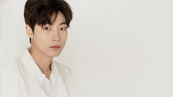 Hwang In Yeop, Aktor Korea Kepala Tiga yang Masih Cocok Jadi Anak Sekolahan