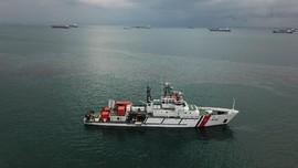 Kapal Keruk Tenggelam di Batam, 4 Perahu Gelar Oil Boom