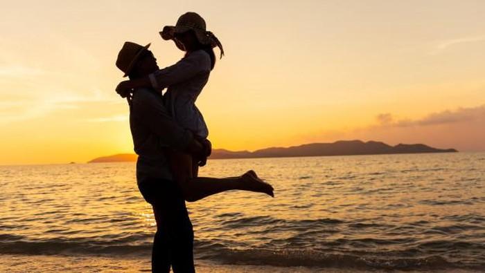 Hubungan Memang Tak Selalu Mulus, Tapi Ingat 4 Hal Ini Soal Cinta...