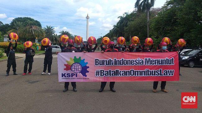 KSPI menilai reshuffle Kabinet Indonesia Maju tidak berdampak positif karena tidak menjawab tiga tantangan utama yang dihadapi buruh.
