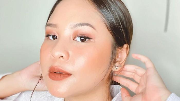 Rangkaian Makeup Lokal untuk Kulit Wajah yang Mudah Berkeringat