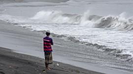 BMKG Peringatkan Dampak Siklon Surigae di Makassar-Papua