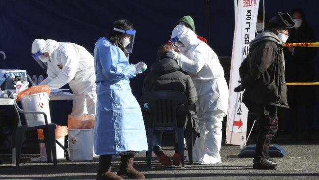 Korea Selatan kembali mencatat infeksi virus corona dalam sehari sebanyak 1.092 kasus baru dan pecah rekor kematian dalam 24 jam mencapai 17 orang.