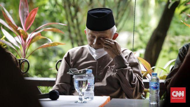 Terdapat sejumlah poin penting dibicarakan Amien Rais dan Presiden Jokowi dalam pertemuan di Istana Negara hari ini. Pertemuan berjalan singkat, namun serius.