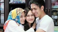 <p>Namun kini keputusan yang diambil pria kelahiran Jakarta itu akhirnya diterima keluarganya. Hubungannya dengan adik-adik kembali harmonis seperti semula.(Foto: Instagram @anandasoebandono)</p>
