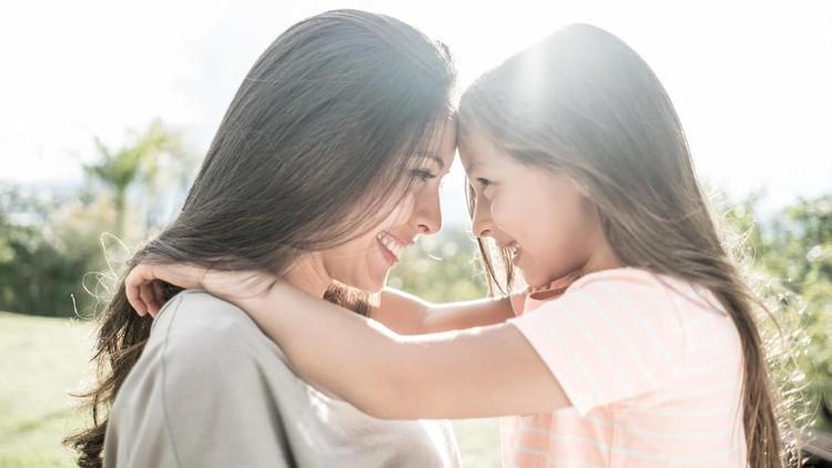 Ilustrasi kedekatan anak dan ibu tirinya