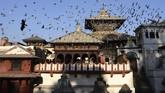 Kuil Pashupatinath yang berada di Kathmandu, Nepal, telah dibuka kembali setelah sempat ditutup selama sembilan bulan.