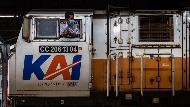 KAI Bakal Proses Hukum Pelaku Pelemparan Batu ke Kereta Api
