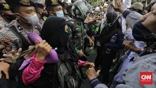 Ibu-ibu Demo 1812 Kecam Polisi: Bukan Bandar Dibunuh Gitu Aja