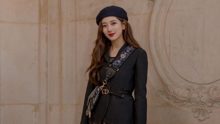 Gaya Aktris Korea dengan Tas dari Desainer Favorit Mereka