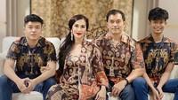 <div>Aktris Diah Permatasari memulai karierya sebagai model. Dia mulai dikenal sejak membintangi sinetron berjudul Si Manis Jembatan Ancol. Foto: Instagram Diah Permatasari</div>