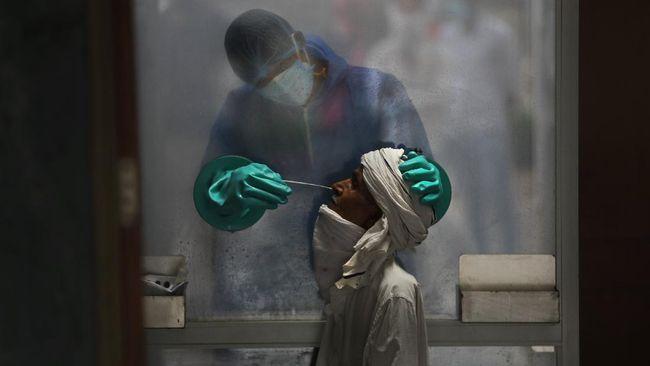 India kini menjadi negara dengan jumlah kasus infeksi virus corona terbesar kedua di dunia.