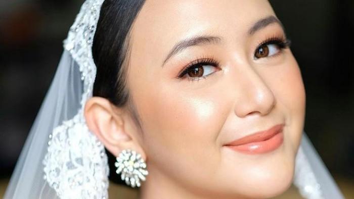 Cantiknya Dinar Amanda dengan Makeup Flawless di Hari Pernikahan
