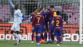 FOTO: Messi Samai Rekor Pele Lewat Sundulan