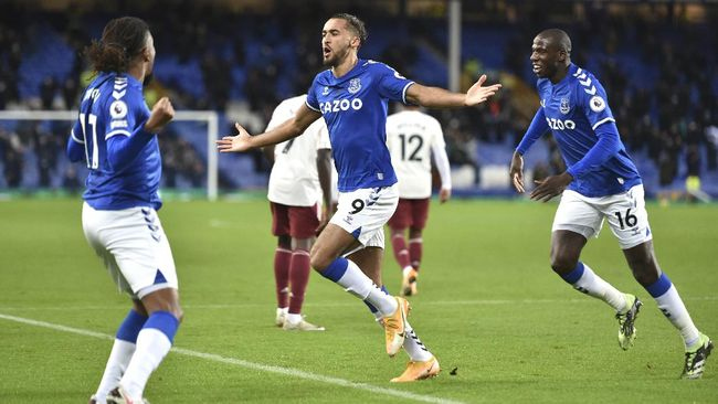 Manajemen Everton menuntut Premier League menjelaskan alasan laga melawan Manchester City di Stadion Etihad ditunda.