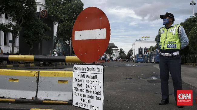 本日より、旧市街を車両が横断することは禁止(低排出ゾーン・LEZ)