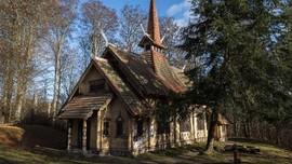 Usaha Seorang Ateis Menyelamatkan Gereja Kayu di Jerman