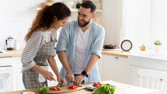 Di balik ramainya adu argumen yang terjadi, konflik sesungguhnya membuat hubungan rumah tangga jadi lebih sehat. Mengapa demikian?