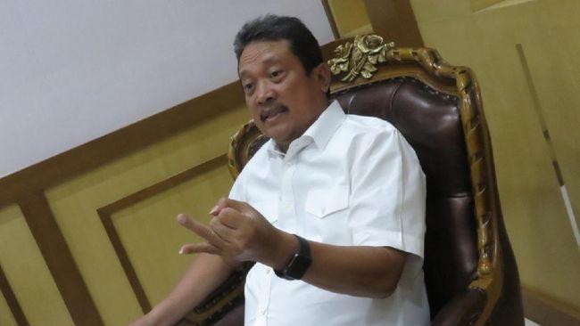 Jokowi menunjuk Sakti Wahyu Trenggono menjadi menteri kelautan dan perikanan menggantikan Edhy Prabowo yang terkena OTT KPK beberapa waktu lalu.