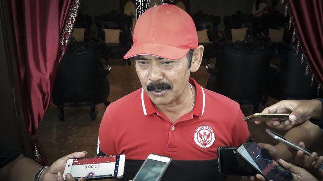 Wali Kota Solo FX Hadi Rudyatmo menganggap penundaan Piala Dunia U-20 akan berdampak positif.