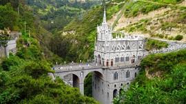 FOTO: Deretan Gereja dengan Arsitektur Unik di Dunia