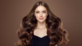 Perdebatan Gen Z - Milenial: Rambut Belah Tengah atau Pinggir