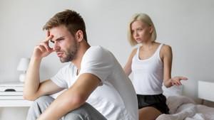 4 Penyebab yang Bikin Pria 'Loyo' saat Hubungan Seks